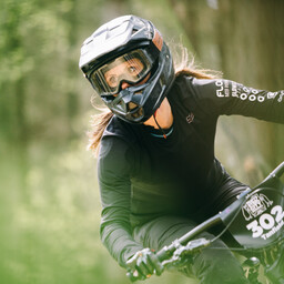Photo of Amanda TANFIELD at Greno Woods