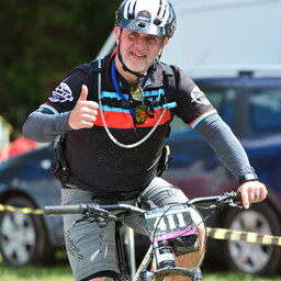 Photo of Bruce ROBERTSON (gvet) at Hamsterley