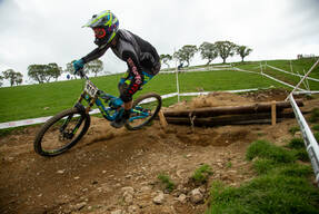 Photo of Ian HAMPSON at Berwyn
