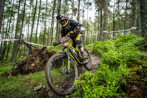 Photo of Lewis DODDS at Innerleithen