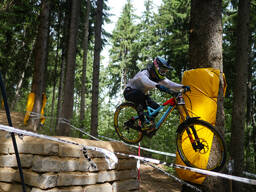 Photo of Mike JONES (elt) at Innsbruck