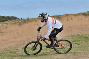Photo of Will MILLS at Falmouth 4x