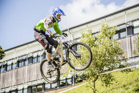 Photo of Tom BELL (4x) at Falmouth Uni