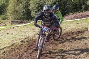 Photo of Neil HARBOUR at Redhill