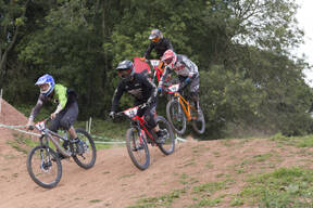 Photo of Tom BELL (4x) at Redhill